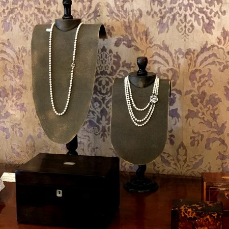 VITA DI LUSSO FINE Art & Antiques Fair jewelry