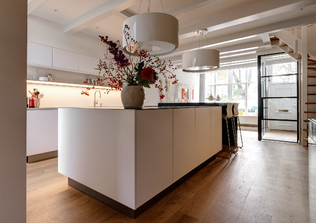 LEEM WONEN SieMatic binnenkijker old and new kitchen island
